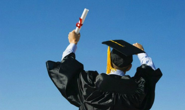 Lavorare dopo la laurea, secondo Istat piu si studia piu aumenta il rischio di lavoro precario