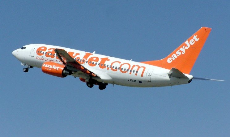 Easyjet lavora con noi 2017, 1200 posti per membri di equipaggio e assistenti di volo