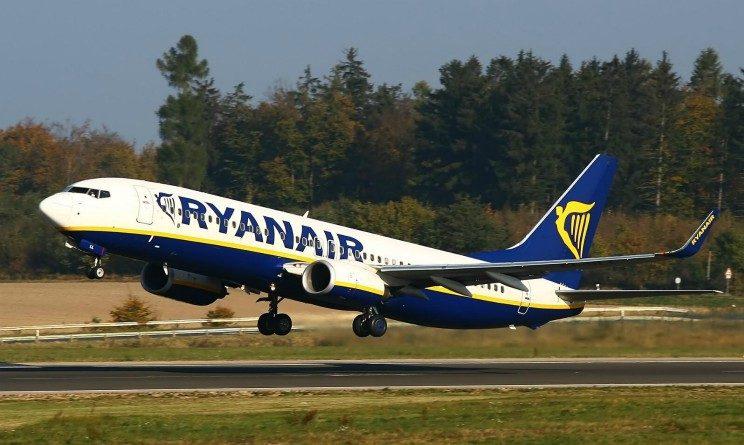 Ryanair lavora con noi 2017, selezioni ad agosto e settembre per assistenti di volo, tutte le date