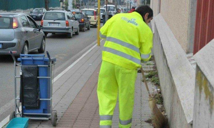 Offerte di lavoro per spazzini e addetti al verde con licenza media