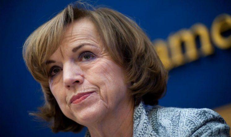 Pensioni novita 2017, Elsa Fornero, attenzione a modificare la legge su aumento eta pensionabile