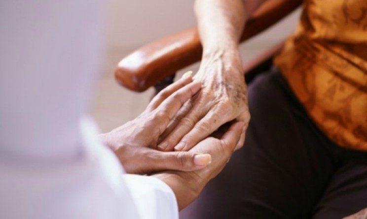 Concorso ASSB 2017, 122 posti per assistenti geriatrici e operatori socio assistenziali