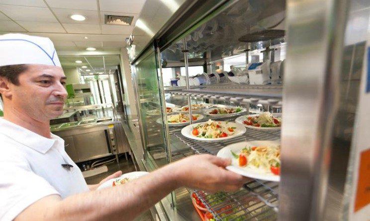 Offerte di lavoro per addetti alla mensa, posizioni aperte a Napoli