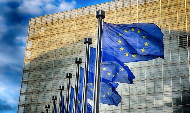 Unione Europea concorso 2017, 333 posti disponibili per commessi e segretarie, requisiti e scadenze
