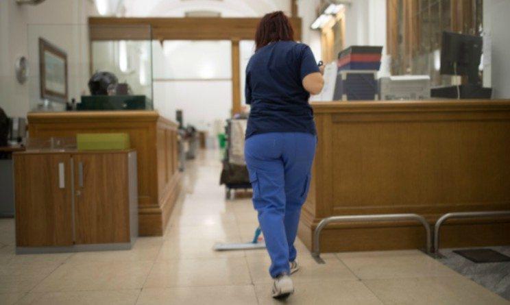 Lavoro per addetti alle pulizie, posizioni aperte a Milano e Napoli