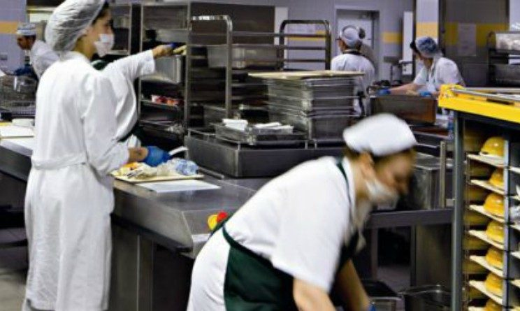Offerte di lavoro per addetti alla mensa, 10 posti disponibili a Roma e provincia