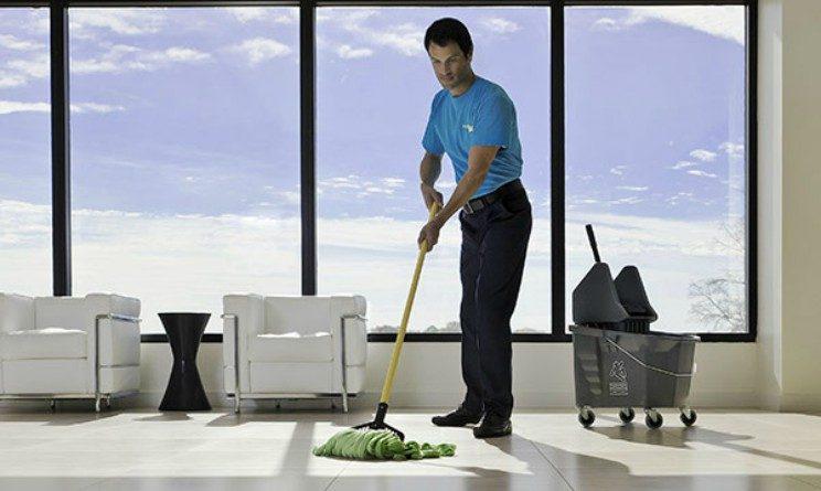 Offerte di lavoro per addetti alle pulizie, posizioni aperte a Milano e Roma