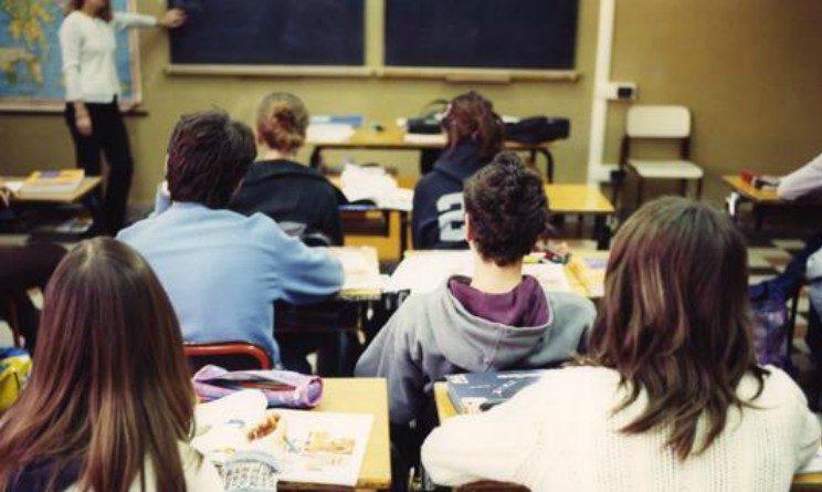 Falsi insegnanti nelle scuole italiane, a Cosenza inchiesta della procura e 4 istituti calabresi coinvolti