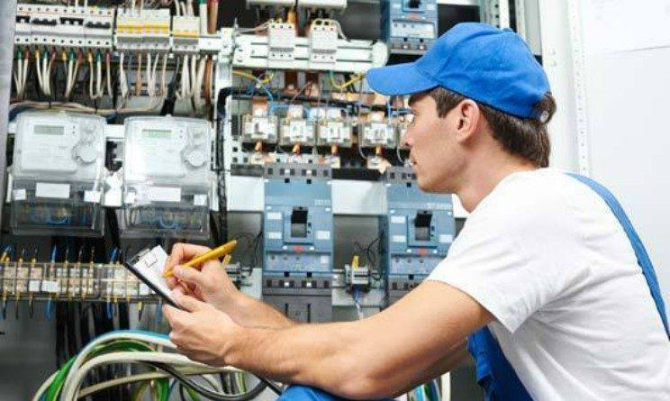 Offerte di lavoro per operatori di rete elettrica, 10 posti per candidati senza esperienza