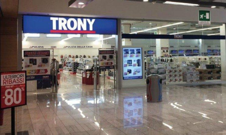 Trony chiude 50 negozi per fallimento, 500 posti di lavoro a rischio