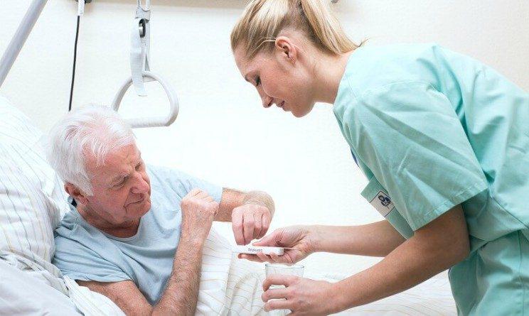 Nuova Assistenza lavora con noi, 24 posti per OSS, infermieri e altre figure in 9 citta