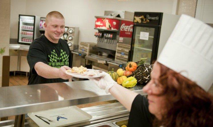 Offerte di lavoro per addetti alla ristorazione, 50 posti a tempo indeterminato