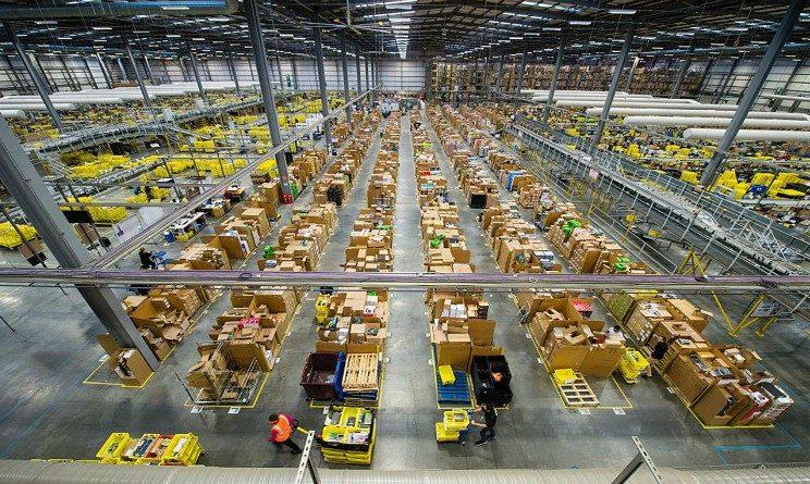 Amazon lavora con noi, selezioni per operatori di magazzino in 3 citta italiane