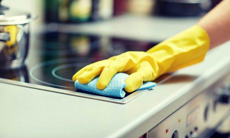 Offerte di lavoro per addetti alle pulizie, 20 posti per candidati con licenza media