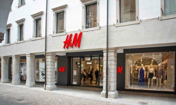 H&M lavora con noi, nuovo negozio, 50 posti per cassieri, commessi e magazzinieri