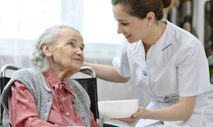 RSA Maggiano assunzioni, 34 posti per OSS, infermieri, fisioterapisti e altre figure sanitarie