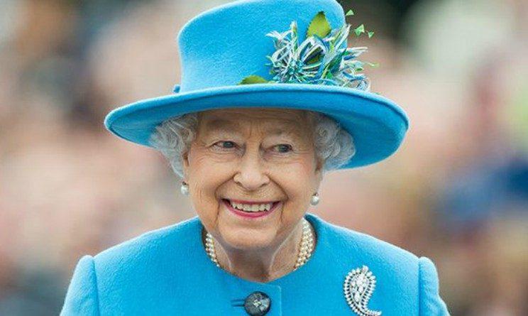 La Regina Elisabetta offre lavoro, posizioni aperte a Buckingham Palace