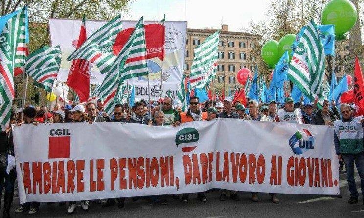 Pensioni, i sindacati chiedono incontro con Di Maio su tema previdenziale