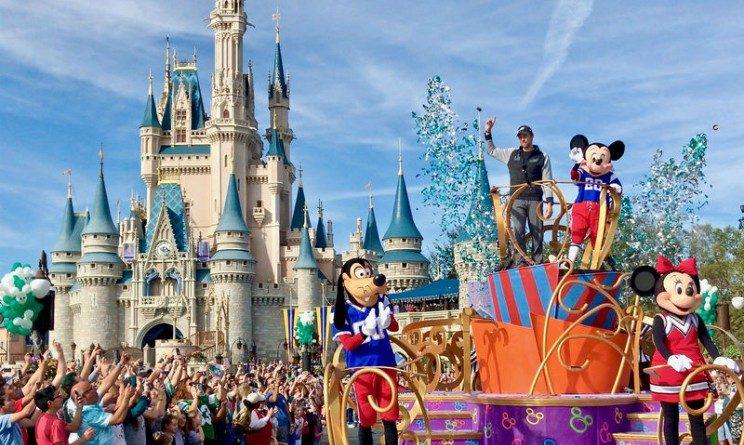 Walt Disney World assunzioni 2018, posti per camerieri, cuochi, baristi e hostess