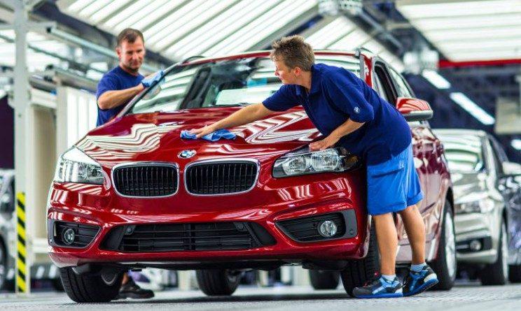 BMW lavora con noi, posizioni aperte per venditori moto e auto