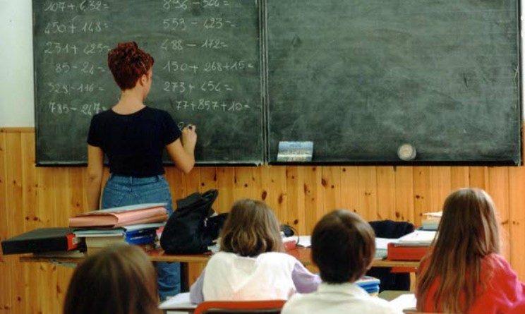 Pensioni, Quota 100 penalizzerebbe meta dei docenti e del personale ATA
