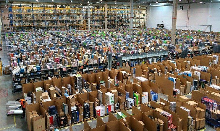 Amazon assunzioni Torino, 150 posti da magazzinieri nel nuovo deposito