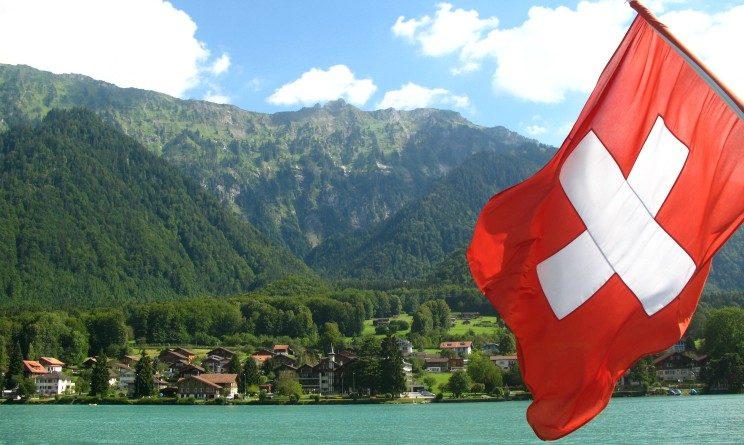 Lavorare in Svizzera, permessi, stipendi e siti utili