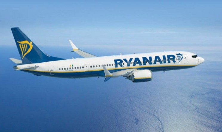 Ryanair lavora con noi, selezioni per assistenti di volo a tempo indeterminato
