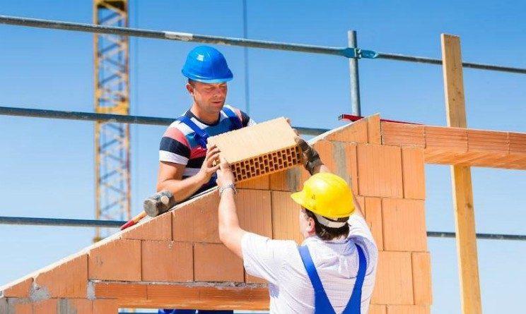 Bando ASP Crotone, 23 posti per muratori, imbianchini, giardinieri e operai