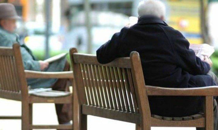 Pensione di cittadinanza da 76 euro per anziani single, lo studio della UIL