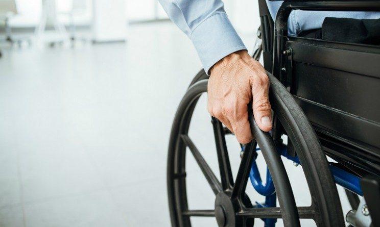 Possibile o no andare in pensione con Quota 100 se percepiamo assegno invalidita