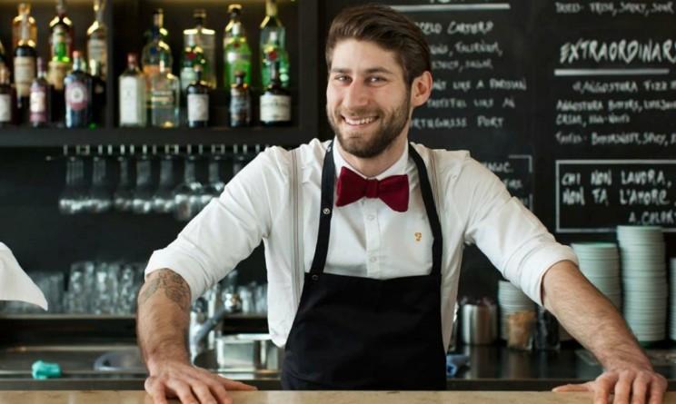 Lavorare come barista, corsi e stipendio medio in Italia