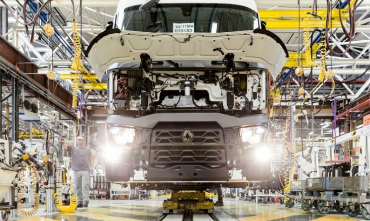 Renault taglia 15mila posti di lavoro a causa della crisi del settore