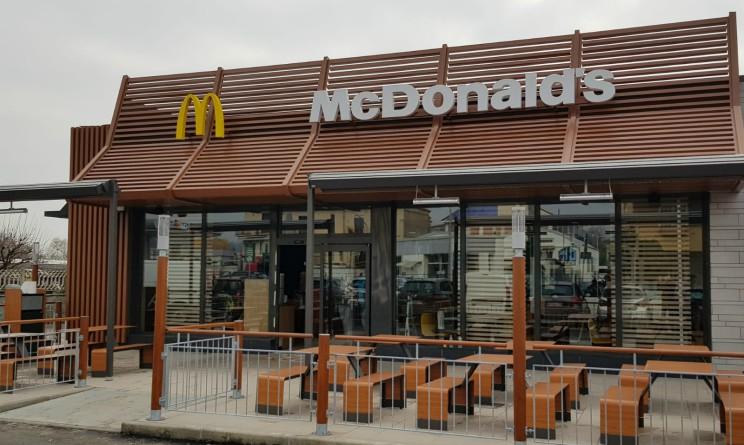 30 posti di lavoro nel nuovo fast food di McDonald's, ecco dove e come candidarsi