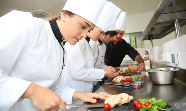 Corso gratuito online per addetti ristorazione di Umana Forma