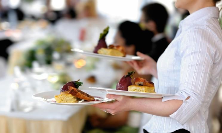 Cafe teatro assume camerieri, baristi, pizzaioli